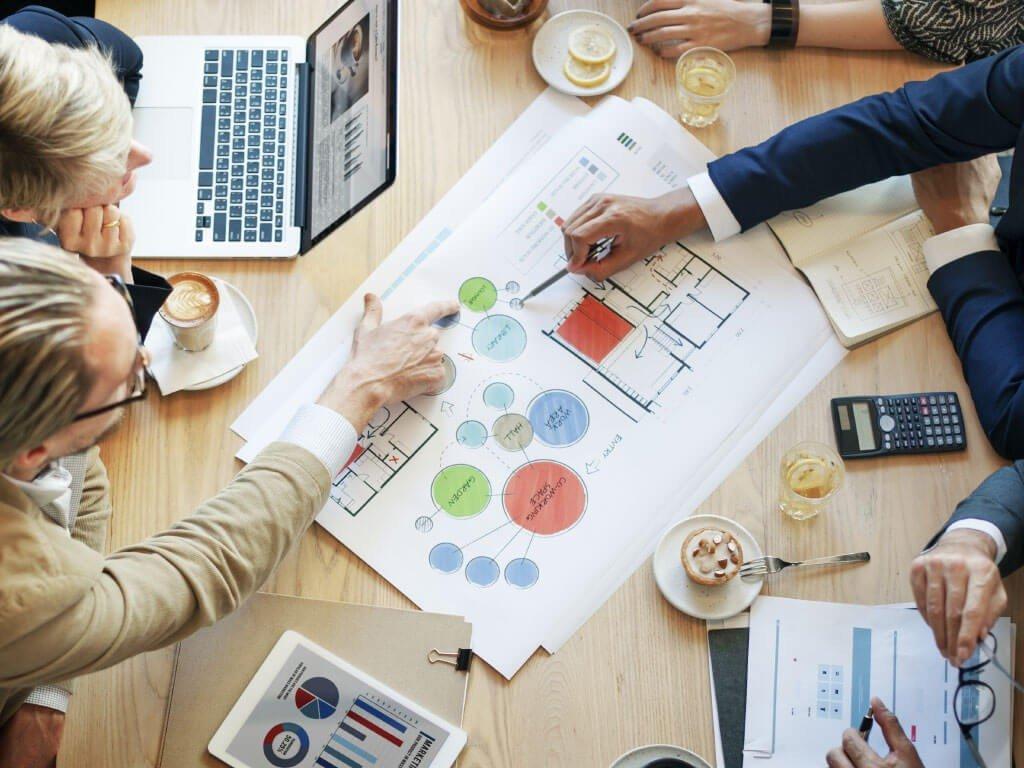 مشاور مالی و املاک و مستغلات