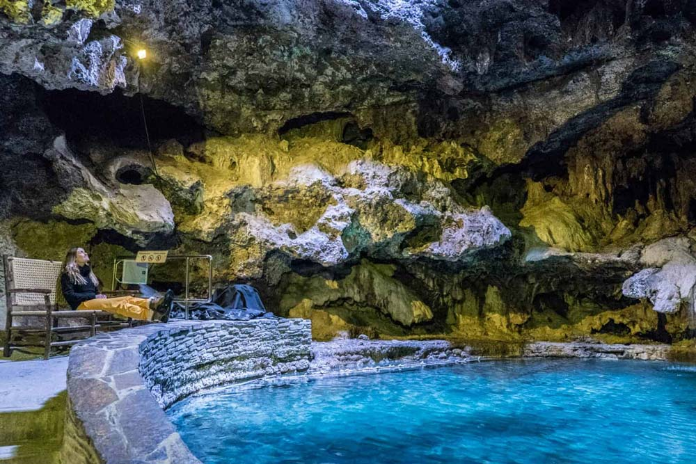 غار و حوضچه در بنف