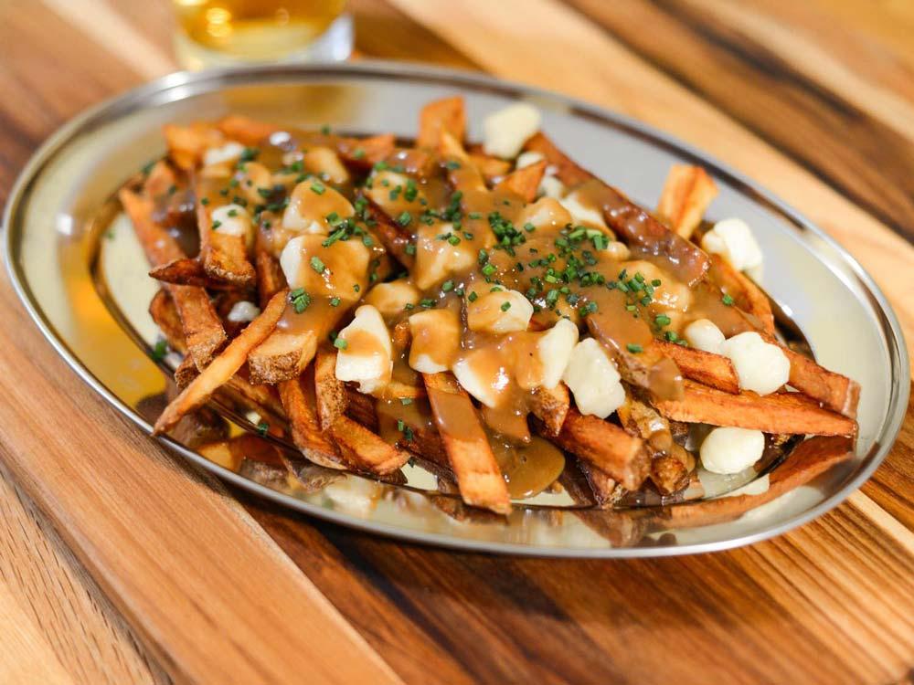 پوتین غذای کانادایی